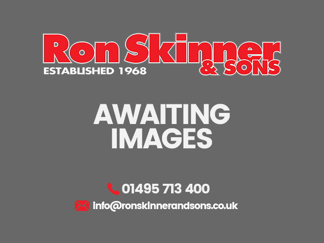 RENAULT CLIO at Ron Skinner and Sons